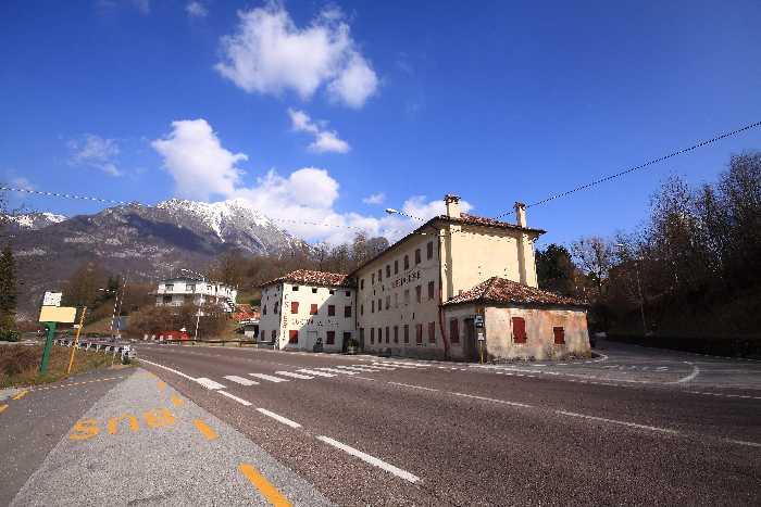 Albergo/Residence PONTE NELLE ALPI 28
