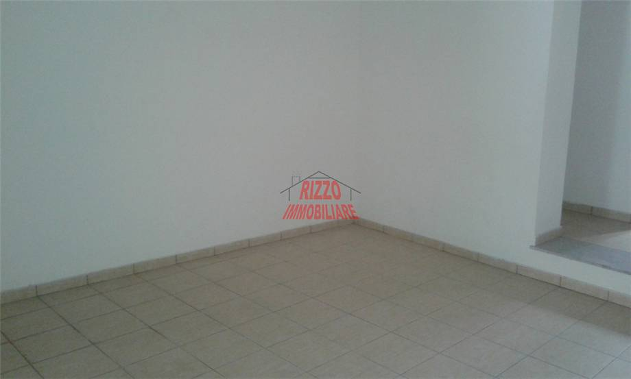 Affitto Commerciale Villabate Faraona-CVE-24 maggio #A116 n.3
