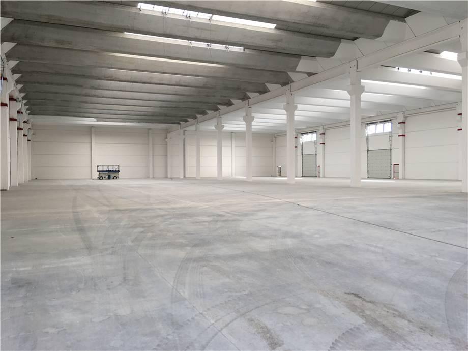 For sale Industrial/Warehouse Verbania  #VB098AI n.2