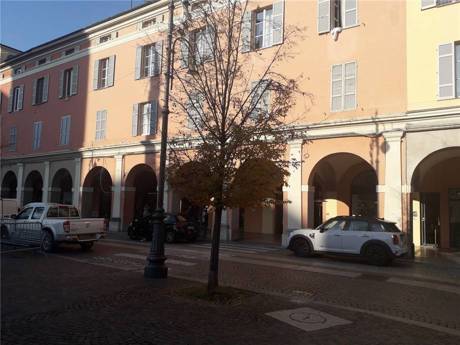 Affitto Commerciale Piacenza Centro storico #MIC100 n.2