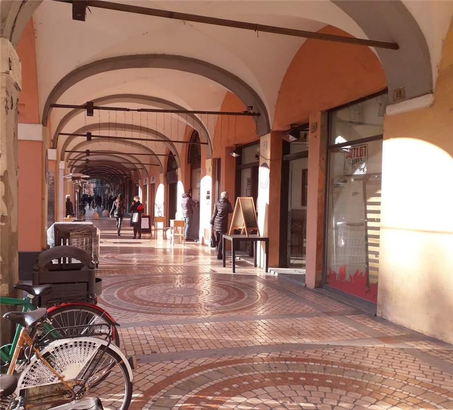 Affitto Commerciale Piacenza Centro storico #MIC100 n.3