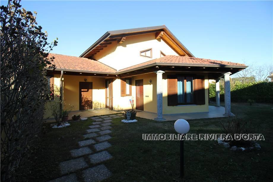 Detached house Divignano 36