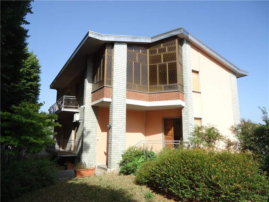 Two-family house Stradella #Cst610