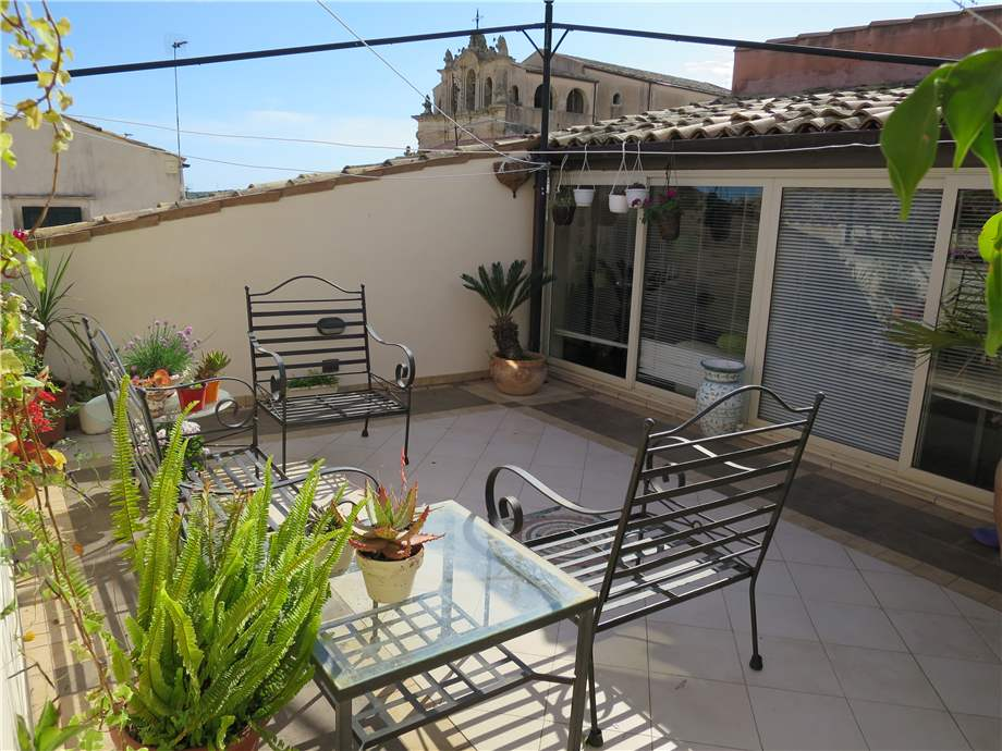 For sale Building Noto  #76C n.11