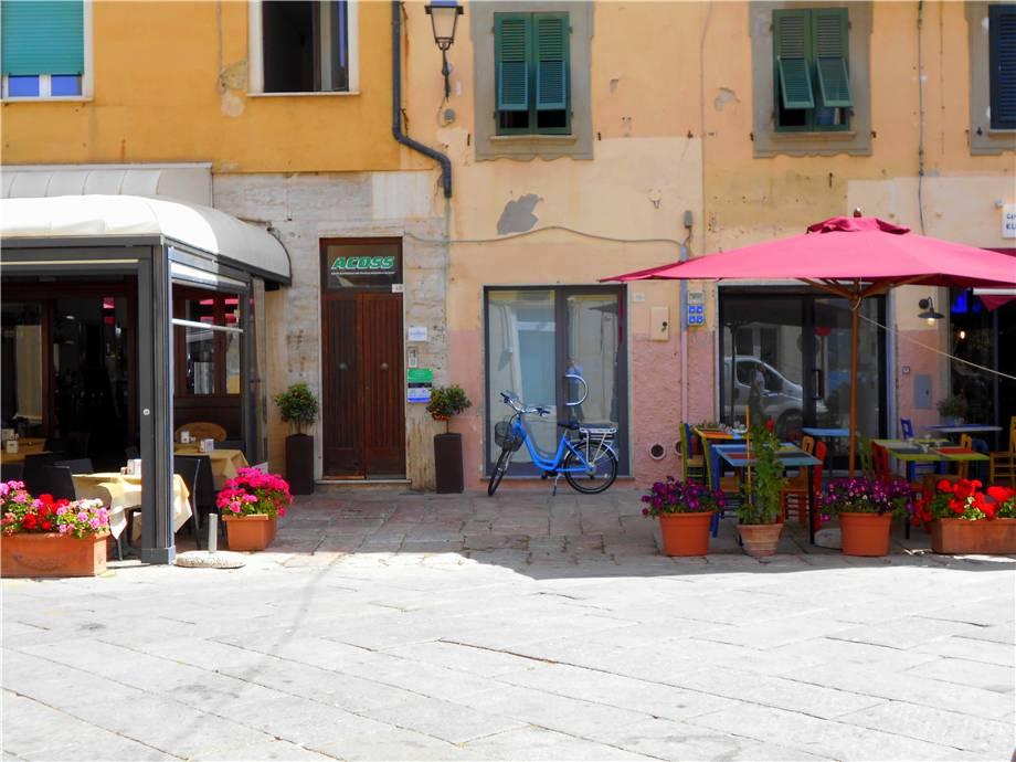 Affitto Commerciale Portoferraio Piazza Cavour #LI1 n.2