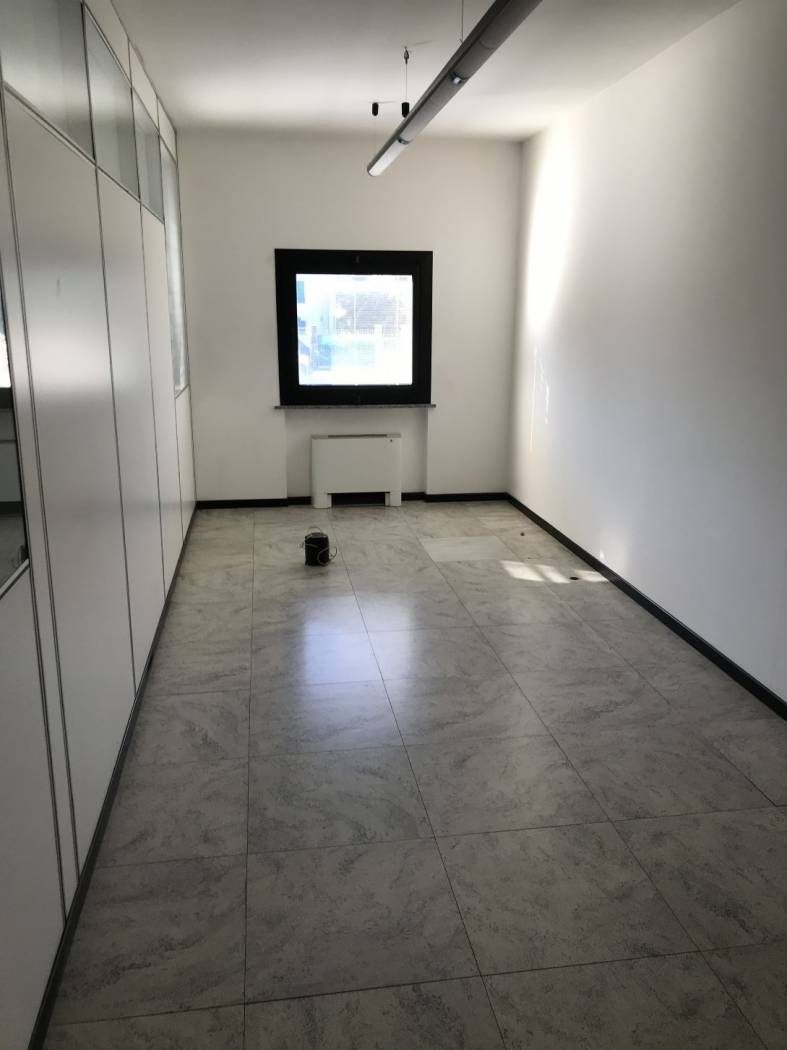 For sale Office Luisago  #Luiuff390 n.4