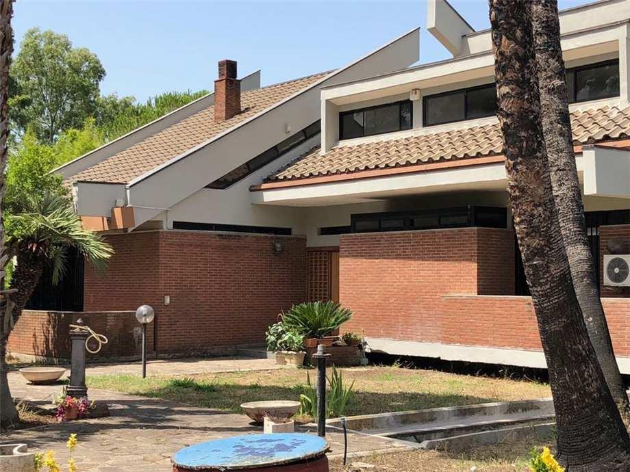 Villa/Casa independiente Latina 20