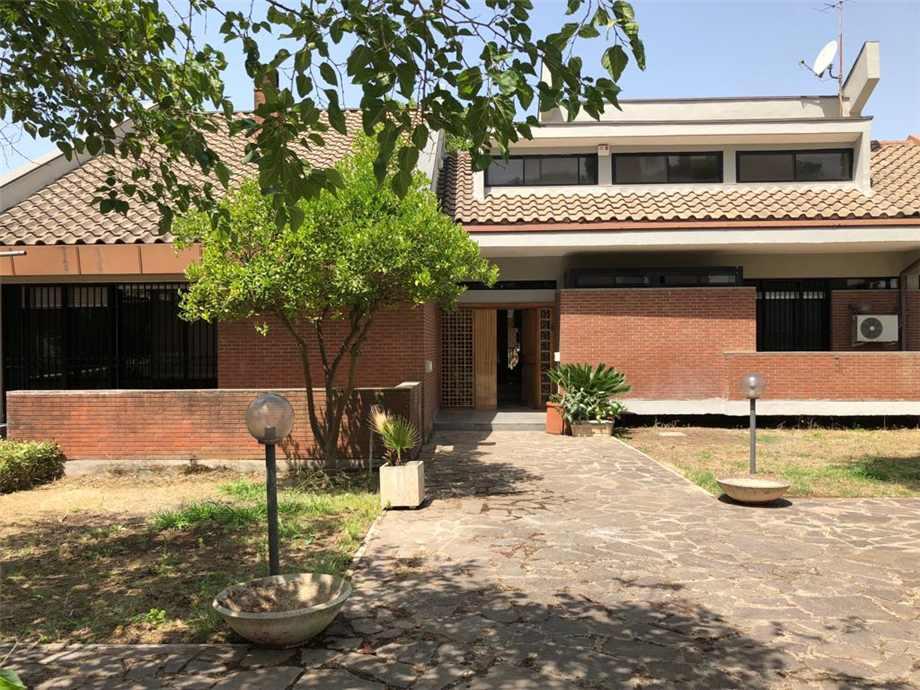 Venta Villa/Casa independiente Latina Piccarello #20 n.2